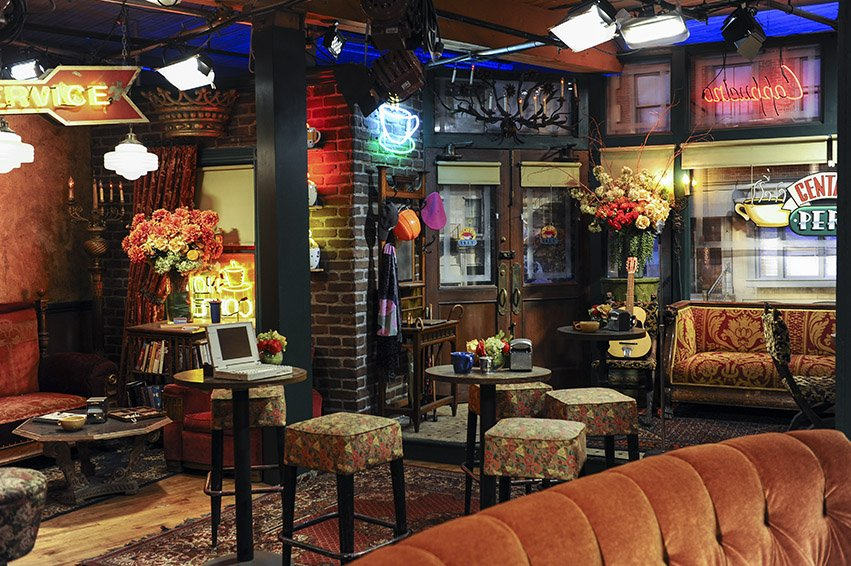 decor-central-perk-friends