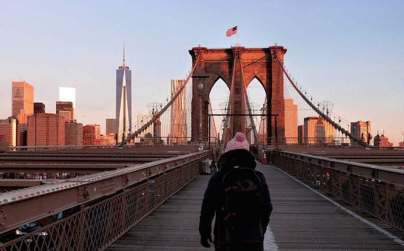 pont-de-brooklyn-lever-du-soleil