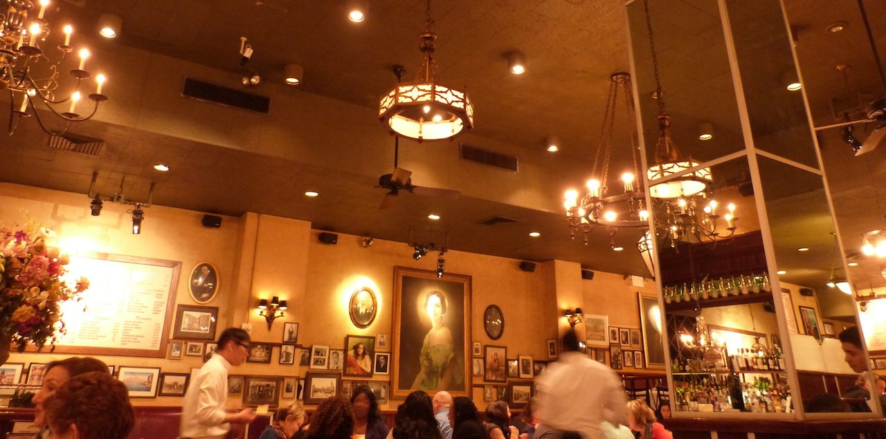 restaurant-carmines-times-square-new-york